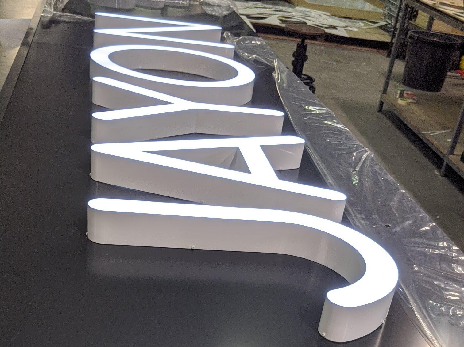 Enseigne lumineuse Lyon- Enseigne lumineuse led pharmacie du Jayon Grigny - Fabrication enseigne sur-mesure
