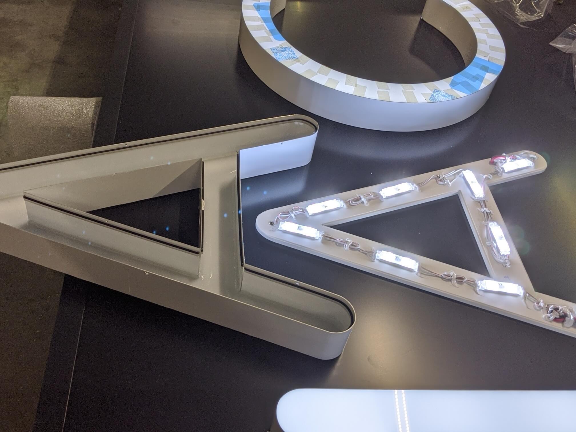 Lettre Enseigne Lyon- Enseigne lumineuse pharmacie du Jayon Grigny - Fabrication enseigne