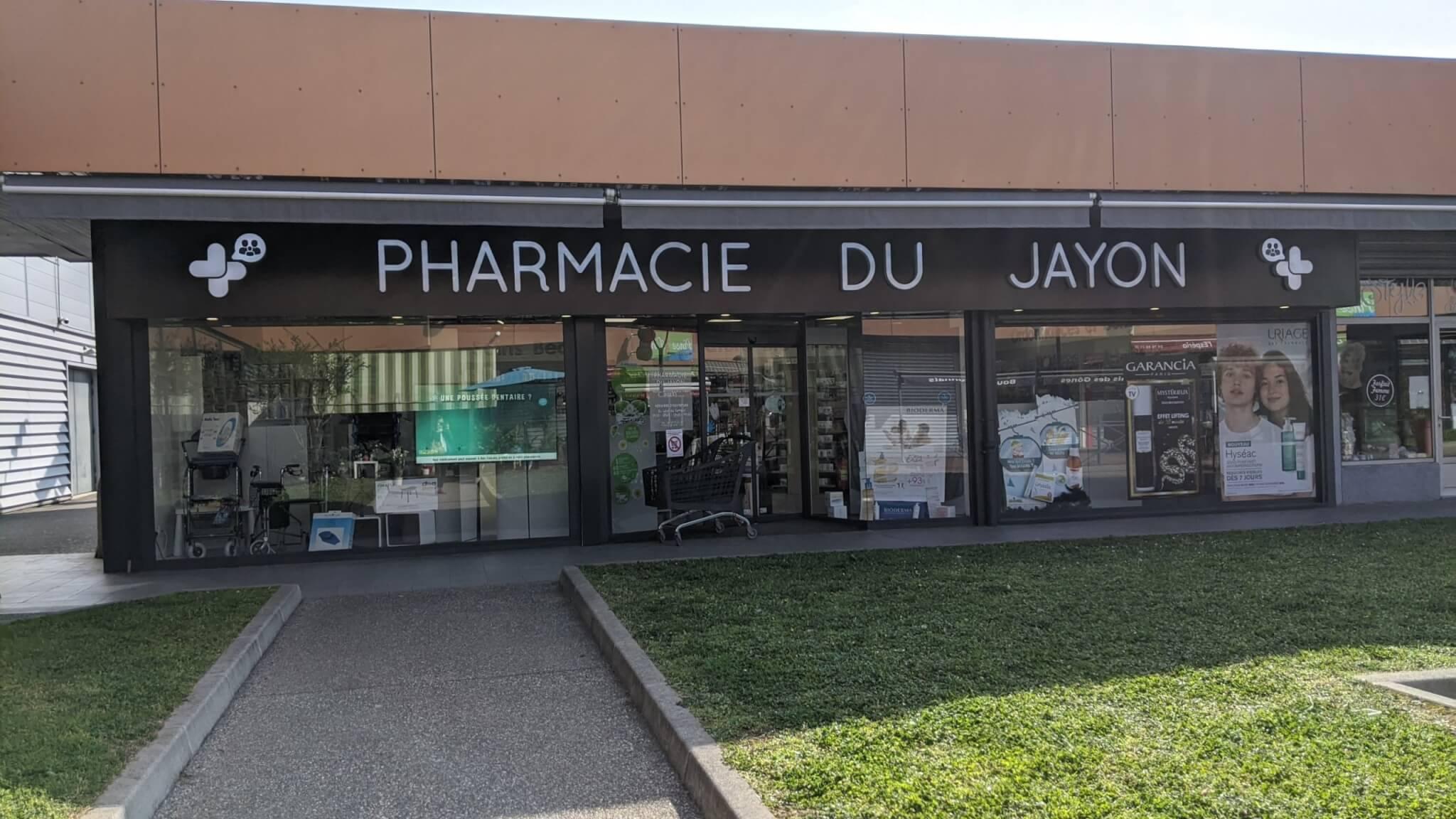 Nouvelle enseigne Pharmacie du Jayon Grigny Rhone -SES Enseigniste fabrication d'enseignes et signalétiques sur mesure