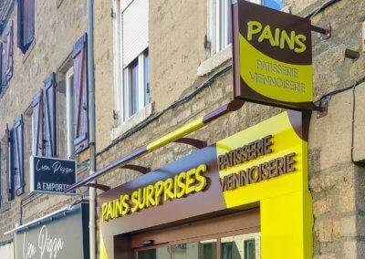Enseigne Rhone - Pains Surprises Enseigne Drapeau - Habillage de Façade - SES Enseigne Grigny -Lyon- Soucieux en Jarrest